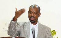 Daawo, Abwaanka Xafida gabayada Shaacir oo Isku Rogay Siyaasi Naqdiya Siyaasada madaxwyne Biixi